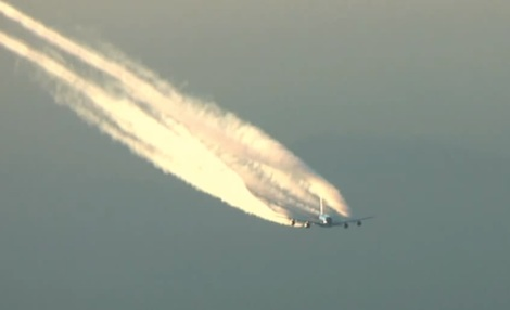 A380 contrail