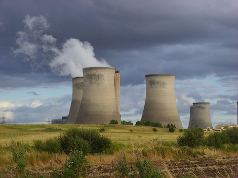 nuclear cooling towers UK