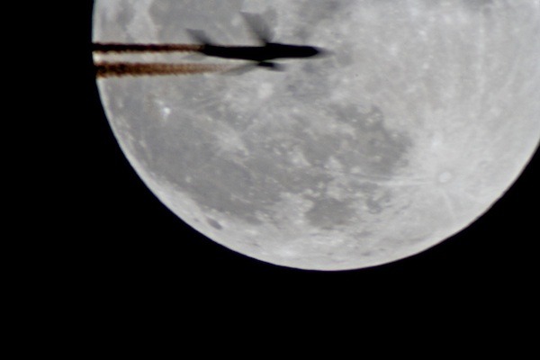 supermoon and jet