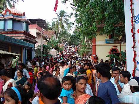 Crowed street, India