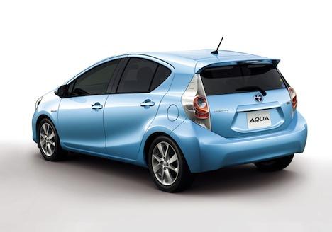 Toyota Prius Model C - back