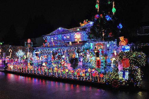 Home Depot Offering To Trade-In Energy-Guzzling Xmas Lights For LEDs